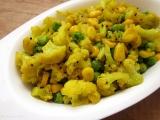 Dusený karfiol s kukuricou a hrachom