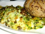 Vaječná omeleta s pestem a houbami