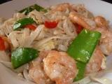 """""""Pad Thai"""" alebo opekané ryžové rezance s krevetami a zeleninou"""