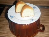 Bábovka s nátierkovým maslom