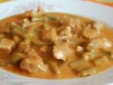 Lahôdkový guláš s fazuľkami