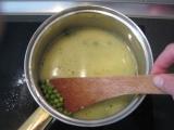 Mliečna hrášková polievka