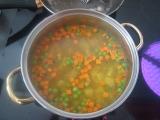 Mrkvovo-hrášková polievka s kari