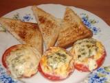 Paradajky plnené vaječnou zmesou a nivou / Plněná rajčata s vaječnou směsí a Nivou
