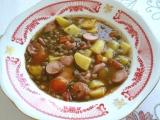 Šošovicová polievka s párkom