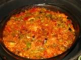 Španielska ryža, dusena s kuskami kuracieho.
