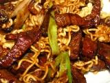 wok - opekane hovadzie s mladou cibulkou