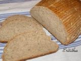 Chlieb zo srvátky s otrubami a slnečnicou
