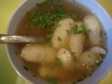 Polievka z kostí so zemiakovými haluškami