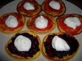 Tvarohové lievančeky s marmeládou a jogurtom