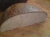Celozrnný pšeničný domáci chlieb