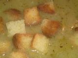 Chlebová polievka s cibuľou a cesnakom