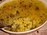 Hovädzia polievka s mrveničkovou závarkou / Hovězí polévka s vaječným strouháním