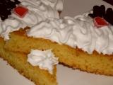 Kefírový koláč s príchuťou marhúľ/Kefírová buchta s příchutí meruněk