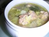 Kelová polievka s mäsovými knedličkami