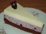 Torta s čučoriedkovou penou a bielou čokoládou