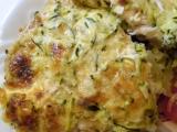 Zapecene kuracie maso na zemiakoch, pod cuketou