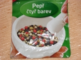 Zelené korenie a chilli naložené v oleji /Zelený pepř a chilli naložený v oleji