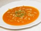 """""""Jednoduchá, rýchla a chutná"""": Mrkvová polievka s kokosovým mliekom"""