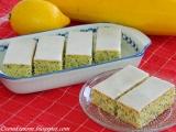 Cuketové rezy s makom a citrónovou polevou