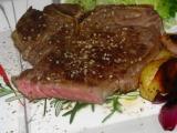 Hovädzi steakT bone