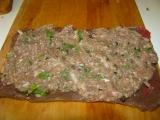 Hovädzie závitky plnene mletým mäsom s nakladaným zeleným korením