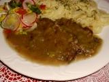 Hovädzie so stopkatým zelerom a pórom /Hovězí maso s řapíkatým celerem a pórkem