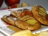 Jablkové lievance s javorovým sirupom