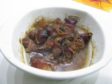 Kuracie pečienky v slaninovom kabátiku a limetkovej stave