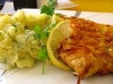 Rezeň v mrkvovo-mandľovom kabáte s bylinkovou zemiakovou kašou