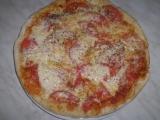 Scone pizza so slaninou a syrom