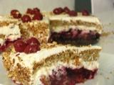 Šľahačkovo - čerešňová torta s orieškami