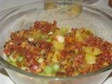 Sýta omeleta so zemiakmi, pecená v trúbe.