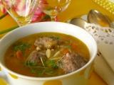Talianska polievka s mäsovými knedličkami