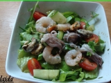 Zeleninový šalát s morskými plodmi /Zeleninový salát s mořskými plody