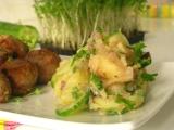 Bavorský zemiakový šalát s čerstvou uhorkou