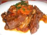 Daub de boeuf (Dusené hovädzie mäso s červeným vínom, cesnakom a tymiánom)