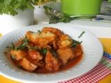Kurací guláš varený s prílohou