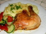 Kuřecí stehna pečená s česnekem
