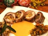 Roláda z králíka, plněná velikonoční nádivkou, sýrem, šunkou a mladými kapustovými listy