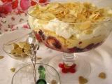 Trifle - opitý piškótový  pohár s vaječným krémom