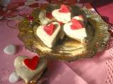 Valentínske srdiečka plnené žĺtkovým krémom