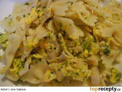 Cestoviny s brokolicou a šunkou /Těstoviny s brokolicí a šunkou