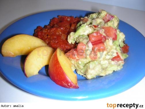 guacamole s cibulovo-paradajkovym pyre