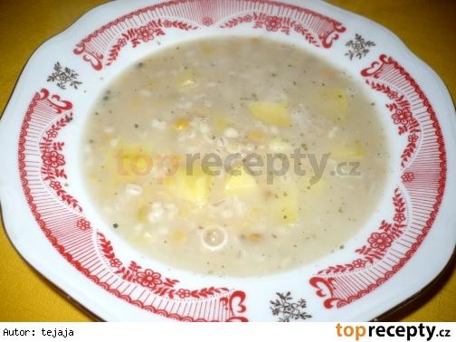 Hrachová polievka s krúpami
