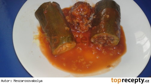 Kusa Mahši Ala Bahadosa - Plnené cukety v paradajkovej omáčke