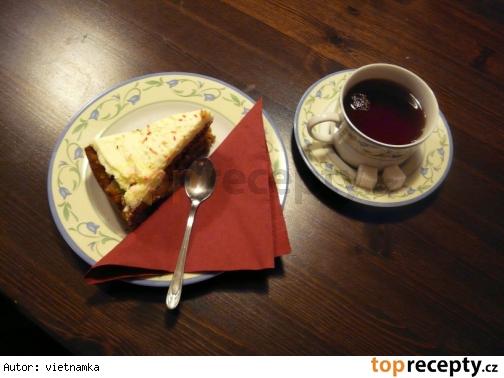 Mrkvový koláč IKEA