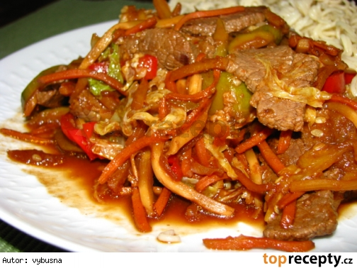 Opekaná hovädzina a zelenina so sherry a sójovou omáčkou / wok
