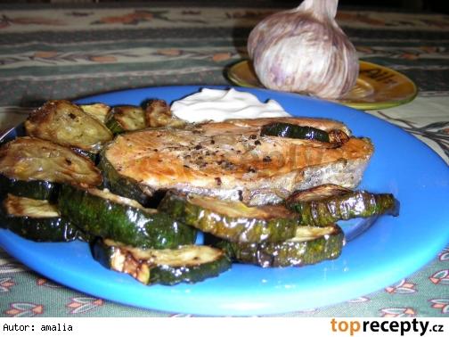 podkovicky z lososa s cuketou a aioli