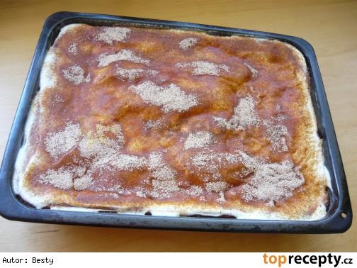 Pudingovo-smotanovy kolač